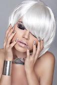 Fashion Blond Girl. Beauty Portrait Woman. White Short Hair. Iso — Stock Photo