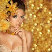 Fashion Beauty Girl Portrait Isolated on golden Christmas glitte — Stock Photo