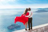 Enjoyment. Romantic couple looking on blue sea. Love. Fashion gi — Stock Photo