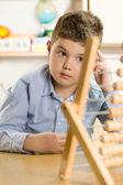Chlapec ve škole — Stock fotografie