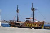 Retro sailing vessel — Stock Photo