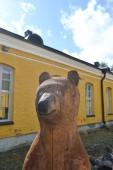 Wooden sculpture of a bear — Stock Photo