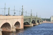 Trinity Bridge in St. Petersburg. — Stock Photo