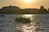 Imbarcazioni da diporto sul fiume neva. — Foto Stock
