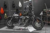 Harley - Davidson Sportster XL 1200X Forth - Eight Motorcycle — Stockfoto