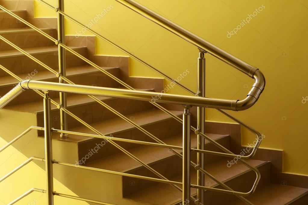 Maison d 39 habitation avec fond de rampe d 39 escalier - Couloir avec escalier ...