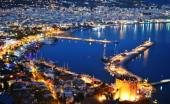 View of Alanya harbor from Alanya peninsula. Turkish Riviera — Stock Photo