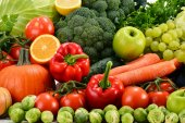 Assorted raw organic vegetables — Stock Photo