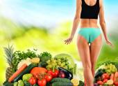 Balanced diet based on raw organic vegetables and fruits — Stock Photo