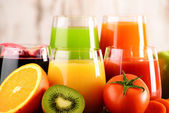 Glasses of fresh organic vegetable and fruit juices — Стоковое фото