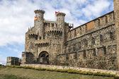 家庭或主要入口的圣殿骑士城堡在 Ponferrada,别尔索 — 图库照片