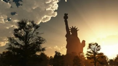 Statue of Liberty on the background of sunset and cloudy sky — Stock Video