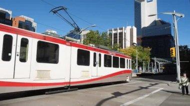 Calgarys c-zug — Stockvideo