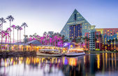 Swan and Dolphin Hotel at night — Stock Photo
