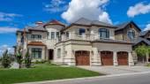 Luxury house, Calgary — Стоковое фото