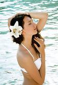 Piękne dziewczyny na plaży — Zdjęcie stockowe