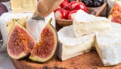 Cheese antipasto — Stock Photo