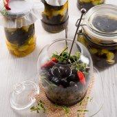 Spicy marinated olives — ストック写真