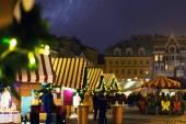 Vánoční trh ve sněhu na Dome náměstí v Rize — Stock fotografie