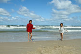 Children at the beach — Stock Photo