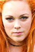 Rotes Haar Mädchen im Pin-up-Stil — Stockfoto