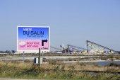 Billboard saline Aigues-Mortes — Photo