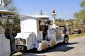 The locomotive of the little train ride Saintes-Maries-de-la-Mer — Stock Photo
