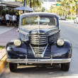 Classic Oldsmobile parks at ocean drive — Stockfoto #53192981