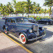 Classic Oldsmobile parks at ocean drive — Foto Stock #53193187