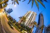Skyscraper at seafront in Sunny Isles Beach inj the evening — Stock Photo