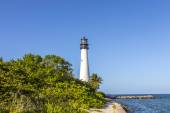 Famous lighthouse at Cape Florida at Key Biscayne — Stock Photo