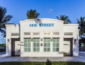 Historic public restroom in art deco style at ocean drive — Stock Photo