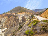 Bixby Bridge panorama as the famous landmark in Big Sur Californ — Stock Photo