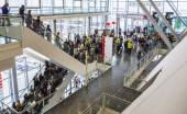 Public day for Frankfurt Book fair, visitors inside the hall — Стоковое фото