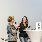 interview at FAZ meeting point with Barbara Klemm — Stock fotografie