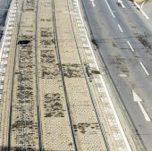 pattern of street and rails of streetcar in Cologne — Stockfoto