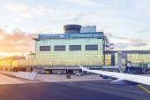 Airport Frankfurt and Terminal 2 in sunset — Stock Photo