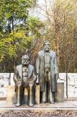 Marx-Engels-Monument in Germany Berlin — Stock Photo