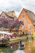 People visit little Venice in Colmar, France — Stock Photo