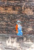 Worker relax at temple area in Ayutthaya, Thailand — Stock Photo