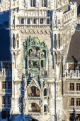 Chimes in munich city hall and facade  — Stock Photo
