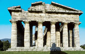 Classical greek temple at ruins of ancient city Paestum, Italy — ストック写真