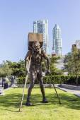 Miami Sculpture Marks 50-Year Anniversary of Cubas Child Exod — Stock Photo