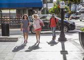 People go shopping downtown Miami — Stock Photo