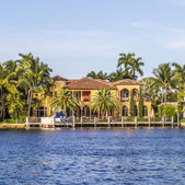 Luxurious waterfront home in Fort Lauderdale, USA. — Stok fotoğraf