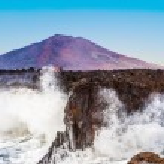 Coast at Los Hervideros with huge waves in Lanzarote — Stock Photo #63116281
