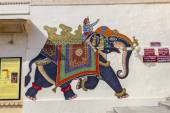 Wall paintings show warriors in ancient times with  elephants — Stock Photo