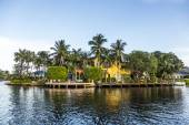 Luxurious waterfront home in Fort Lauderdale, USA. — Stock Photo