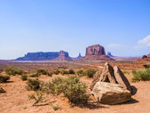 Giant sandstone formation in the Monument valley — Photo