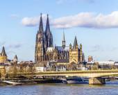 Cologne skyline with dome and bridge — Stock Photo